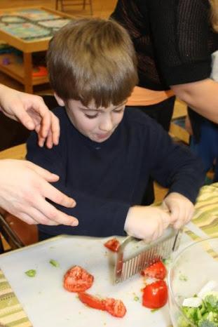 chopping tomatos (1)