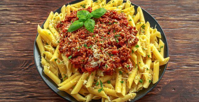 Espagueti con salsa de carne